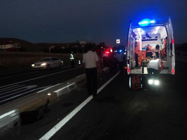 Konya'da kamyonla otomobil çarpıştı: 1 ölü, 3 yaralı 4