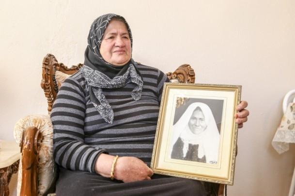 Anne Davutoğlu'nun fotoğrafını gözyaşlarıyla anlattı 1