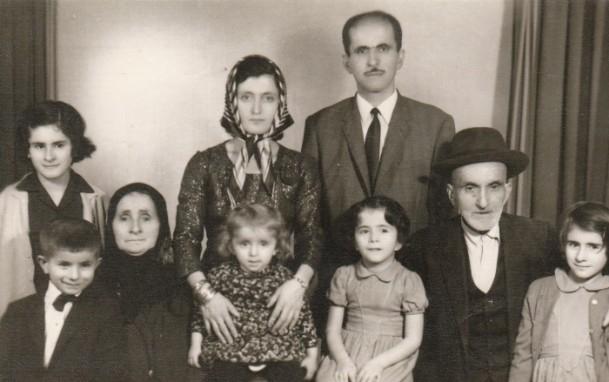 Anne Davutoğlu'nun fotoğrafını gözyaşlarıyla anlattı 12