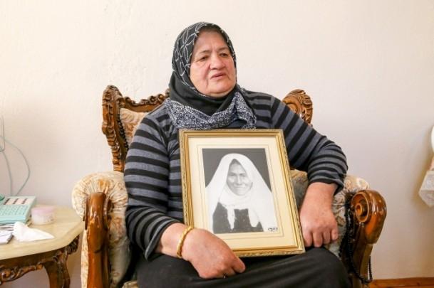 Anne Davutoğlu'nun fotoğrafını gözyaşlarıyla anlattı 4