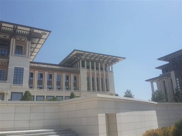 İskele kaldırıldı 'Başkanlık Sarayı' ortaya çıktı 24