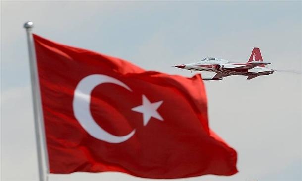 Türk yıldızları büyüledi 19