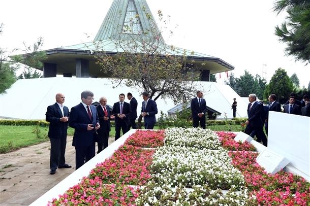 Davutoğlu Erbakan'ı ziyaret etti 10