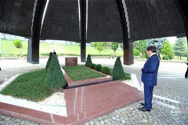 Davutoğlu Erbakan'ı ziyaret etti 2
