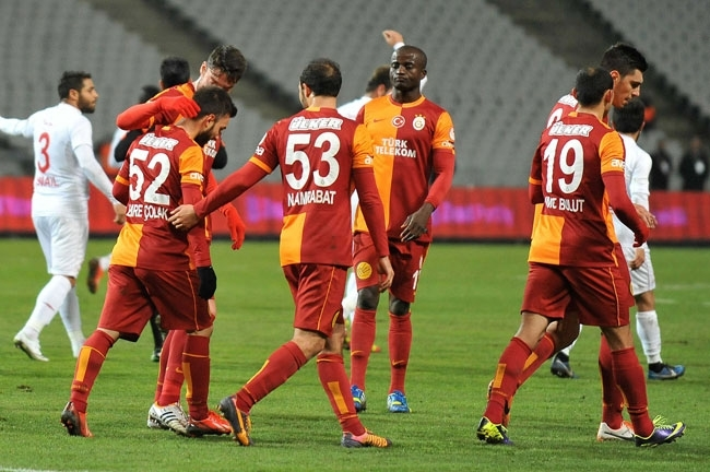 Galatasaray 4 Balıkesirspor 0 12