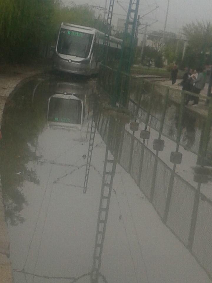 Konya'da yağış tramvay ulaşımını olumsuz etkiledi 4