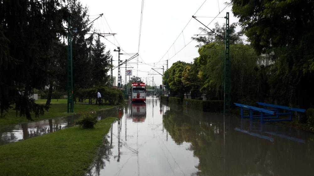 Konya'da yağış tramvay ulaşımını olumsuz etkiledi 8