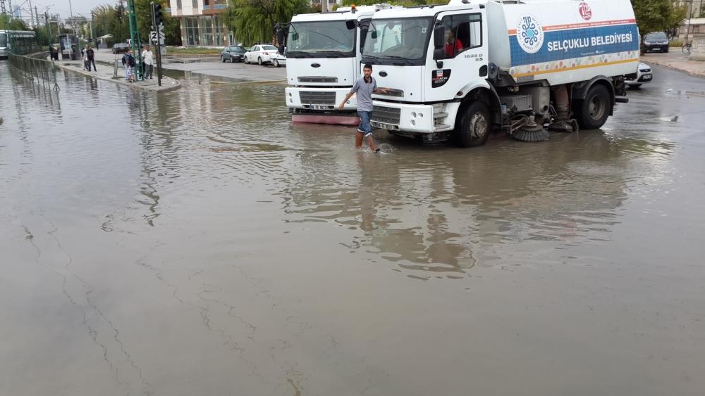 Konya'da yağış tramvay ulaşımını olumsuz etkiledi 9