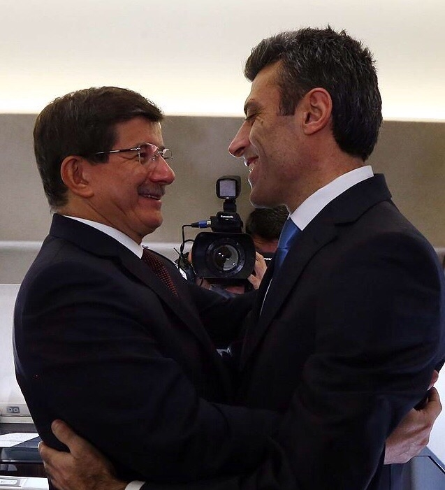 Başbakan Davutoğlu'nun rehinelerle kavuşma anı 6