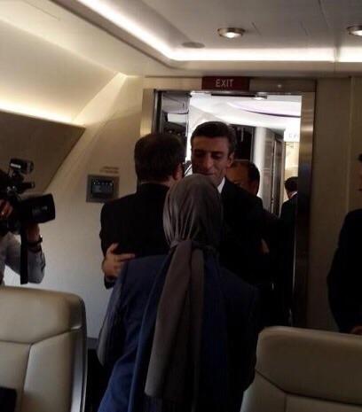 Başbakan Davutoğlu'nun rehinelerle kavuşma anı 8