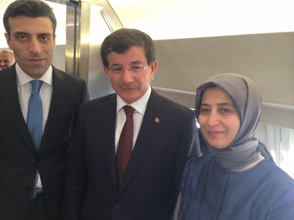 Başbakan Davutoğlu'nun rehinelerle kavuşma anı 9