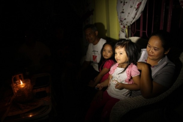Filipinler'de mum ışığının aydınlattığı hayatlar 1