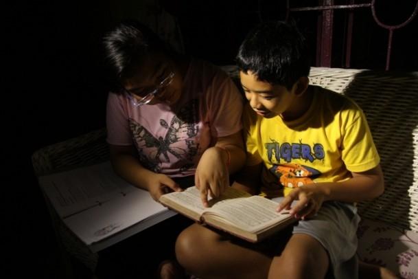 Filipinler'de mum ışığının aydınlattığı hayatlar 4