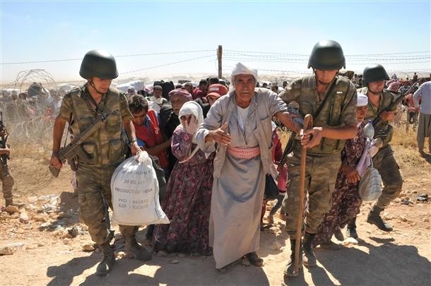 Mehmetçik Suriyelilerin yardımına koştu 19