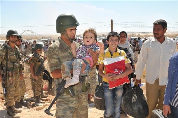 Mehmetçik Suriyelilerin yardımına koştu 21