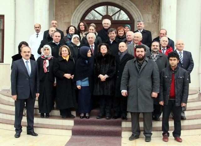 Davutoğlu, Osmanoğlu ailesiyle buluştu 1