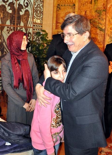 Davutoğlu, Osmanoğlu ailesiyle buluştu 5