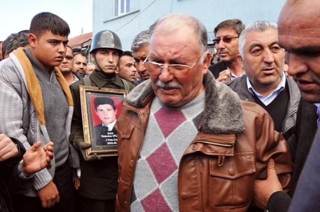 Şehit Ramazan Gülle'yi son yolcuğuna uğurlandı 2
