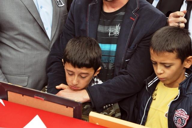 Şehit Ramazan Gülle'yi son yolcuğuna uğurlandı 5