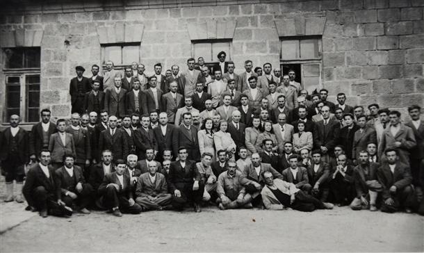 Cumhuriyetin izleri tarihi okulun arşivinde çıktı 3