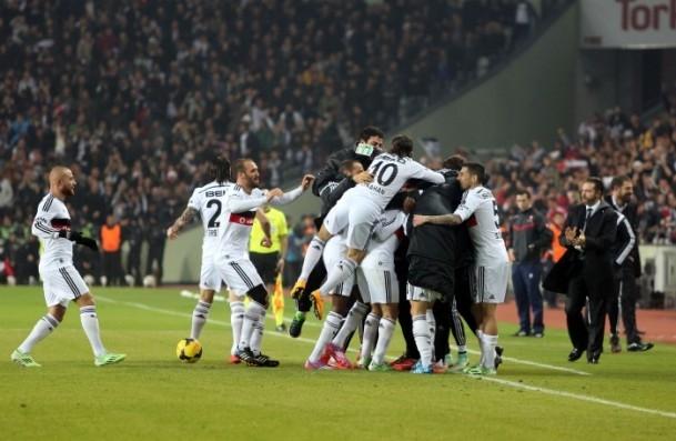 Torku Arena'da Tarihi Beşiktaş Trabzonspor Maçı 22