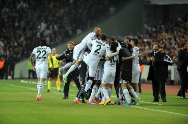 Torku Arena'da Tarihi Beşiktaş Trabzonspor Maçı 5