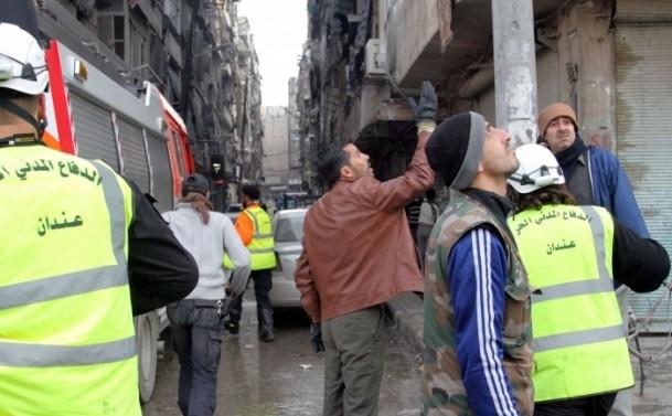 """Esed güçleri Halep'i """"varil bombasıyla"""" vuruyor 13"""