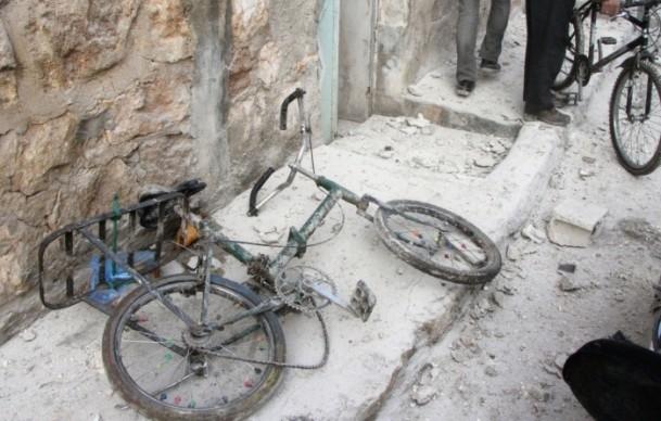 """Esed güçleri Halep'i """"varil bombasıyla"""" vuruyor 14"""