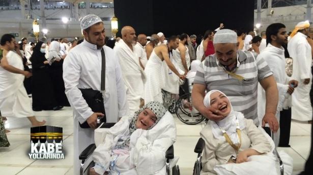 Engelli kardeşlerin Kabe rüyası gerçek oldu! 4