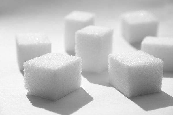 Şekeri bırakmak için 7 neden 8