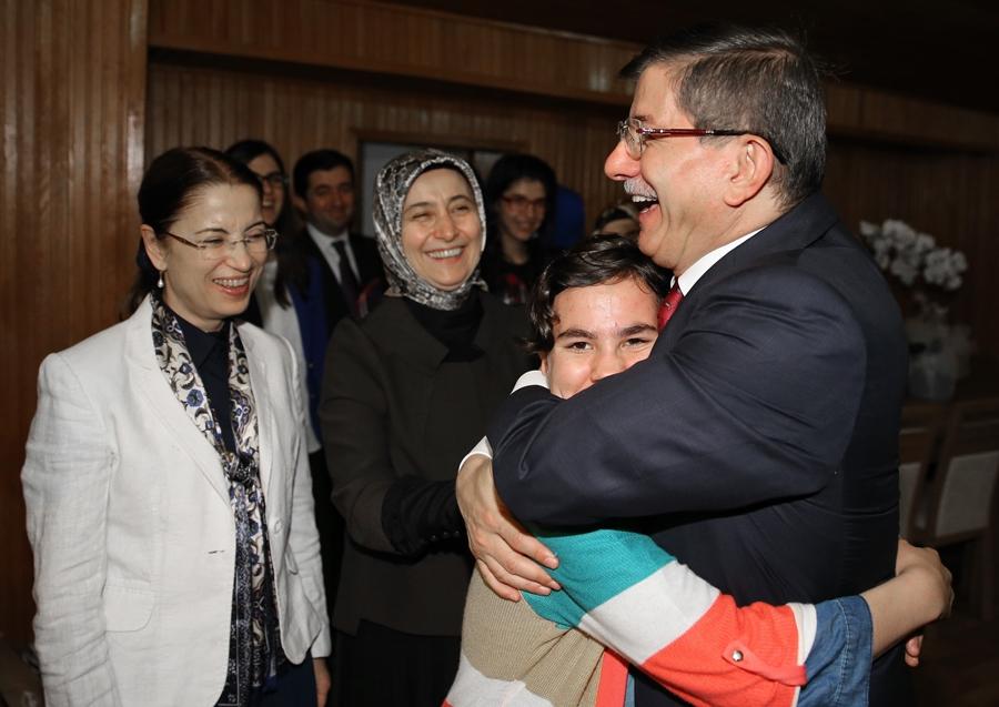 Başbakan Davutoğlu'dan sürpriz ziyaret 1