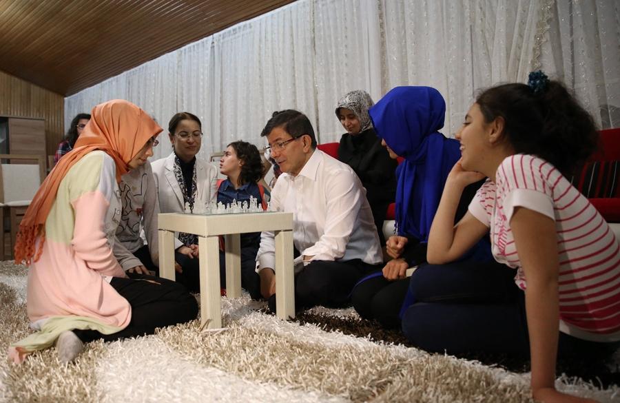Başbakan Davutoğlu'dan sürpriz ziyaret 4