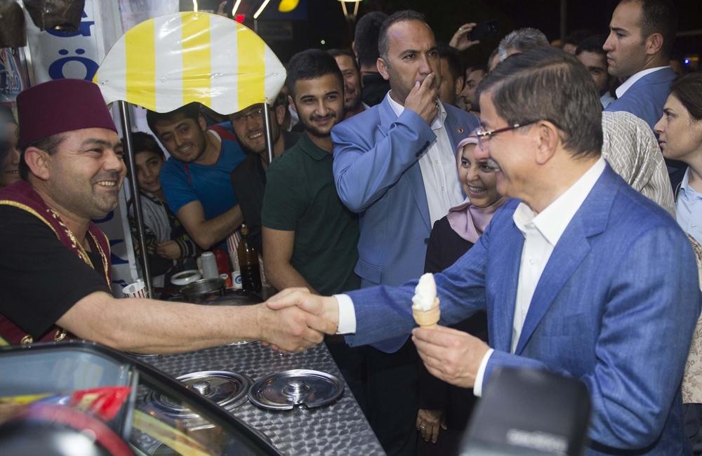 Başbakan Davutoğlu Konya Zafer'de yürüyüşe çıktı 11