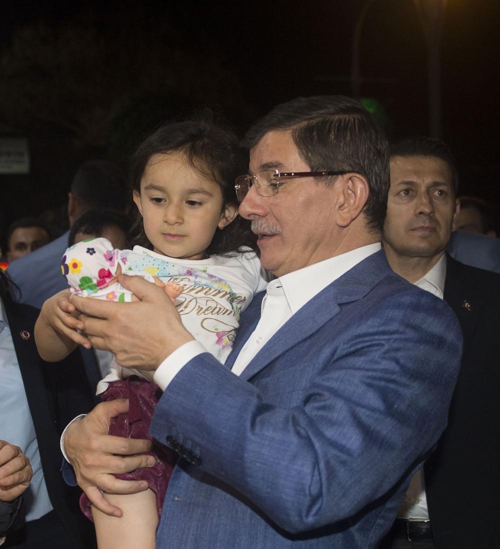 Başbakan Davutoğlu Konya Zafer'de yürüyüşe çıktı 12