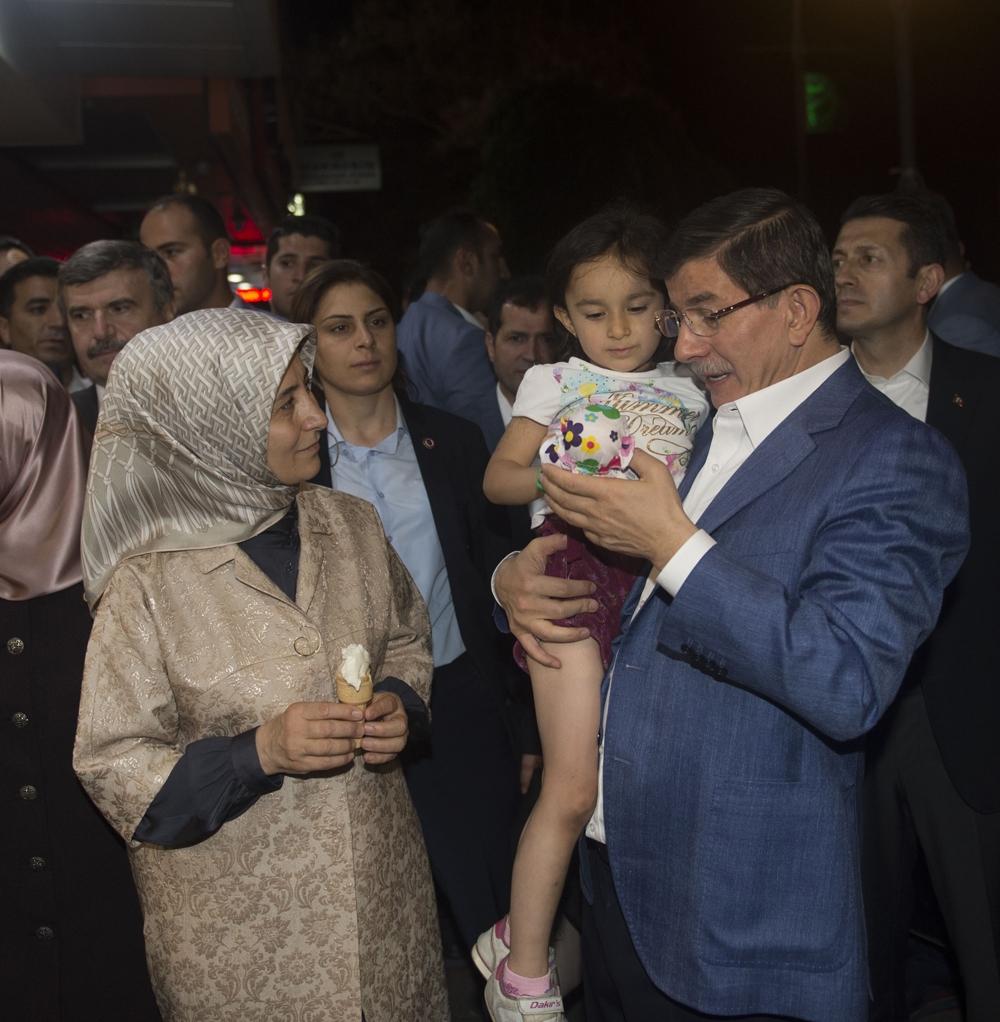 Başbakan Davutoğlu Konya Zafer'de yürüyüşe çıktı 13