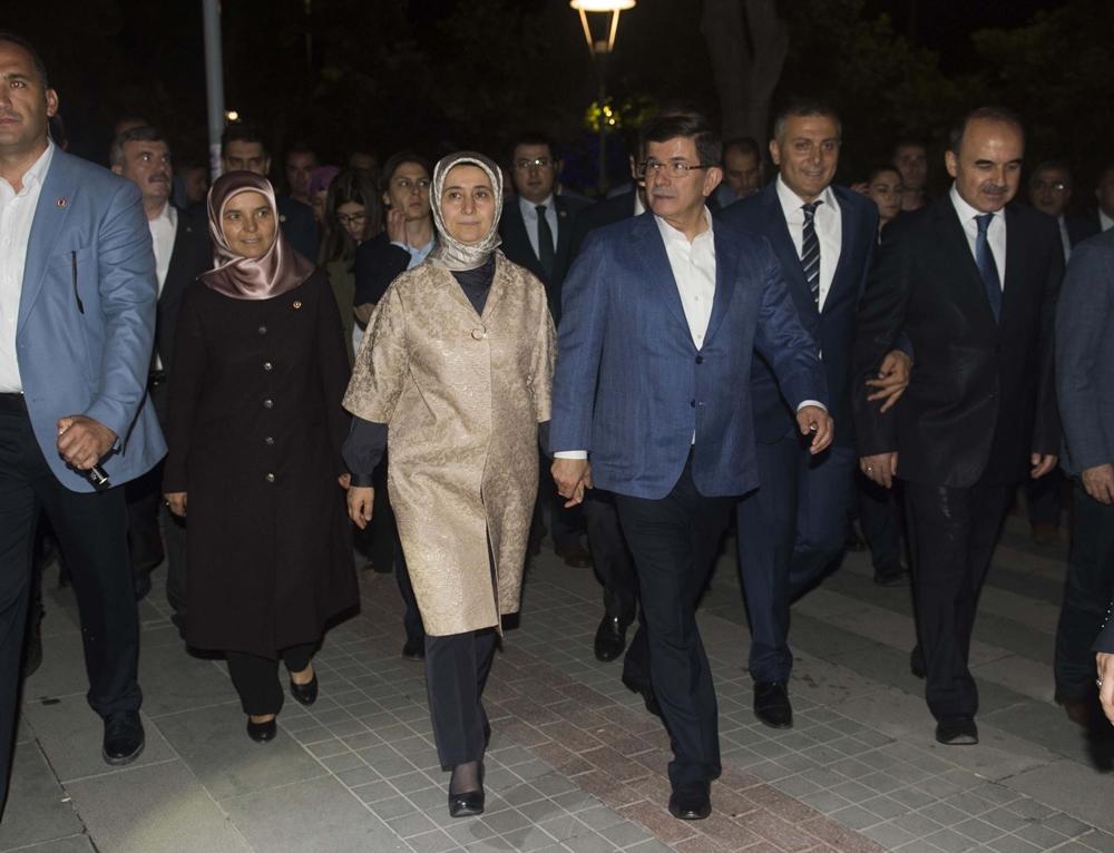 Başbakan Davutoğlu Konya Zafer'de yürüyüşe çıktı 2