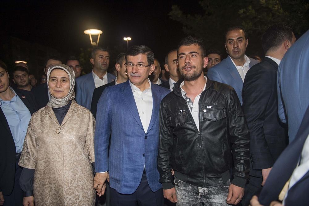 Başbakan Davutoğlu Konya Zafer'de yürüyüşe çıktı 3
