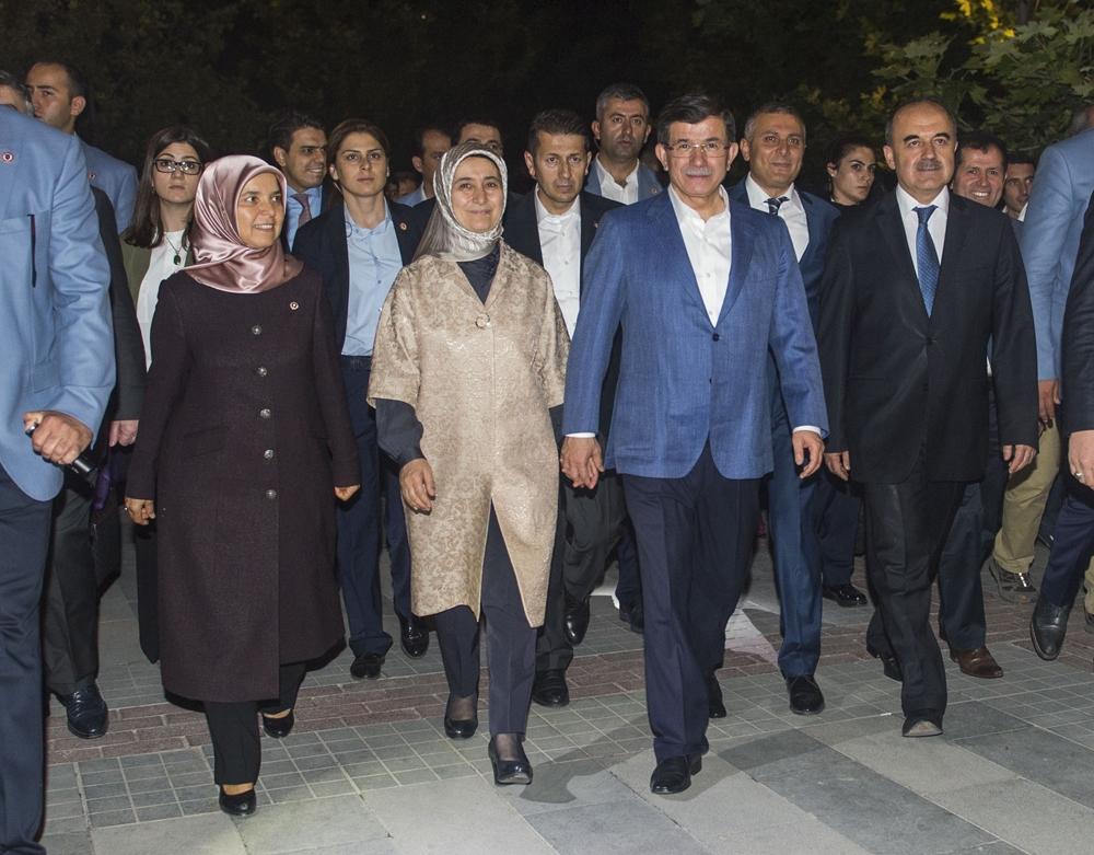 Başbakan Davutoğlu Konya Zafer'de yürüyüşe çıktı 6