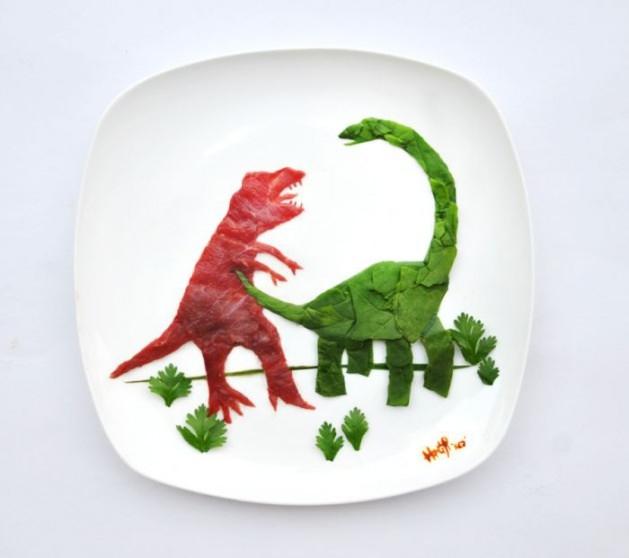 En renkli yemek tabakları 12