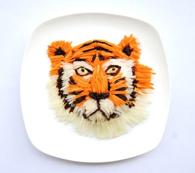En renkli yemek tabakları 23