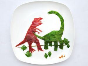 En renkli yemek tabakları