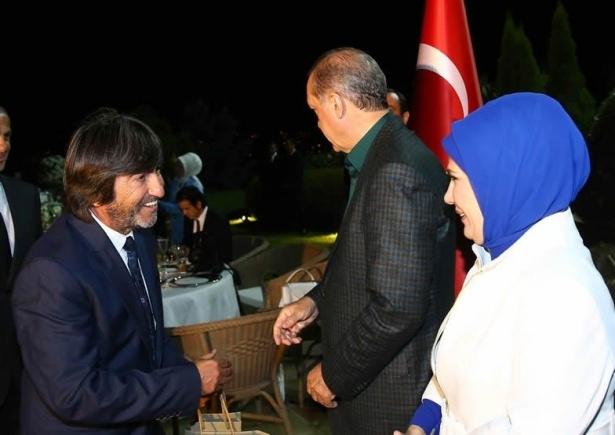 Erdoğan sporcu ve sanatçılarla buluştu 17