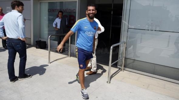 Arda Turan Barcelona'da ilk antrenmanına çıktı 4