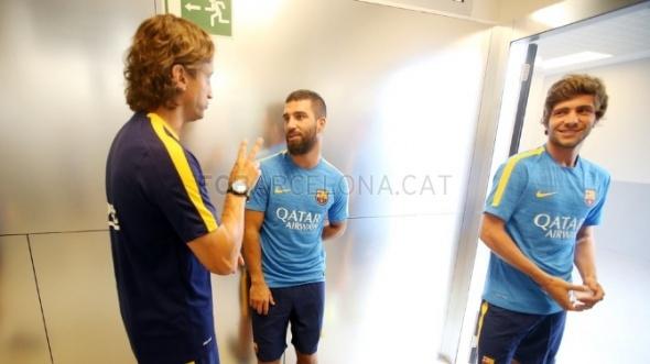 Arda Turan Barcelona'da ilk antrenmanına çıktı 6