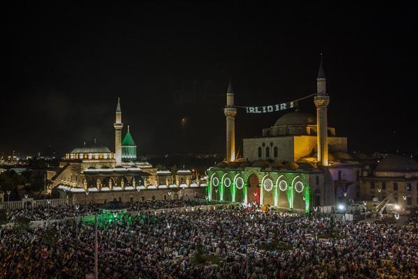 Konyalı Kadir Gecesi'nde Mevlana Meydanı'na akın etti 10