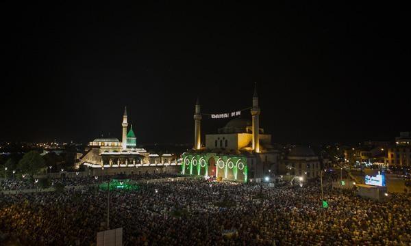 Konyalı Kadir Gecesi'nde Mevlana Meydanı'na akın etti 13