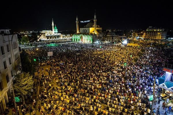 Konyalı Kadir Gecesi'nde Mevlana Meydanı'na akın etti 14