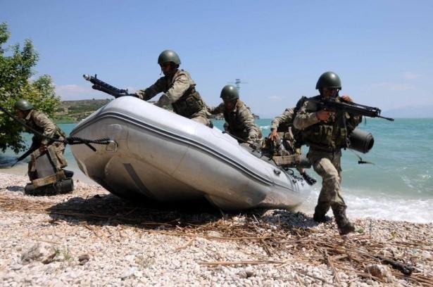 Türk komandosunun zorlu eğitimi 17