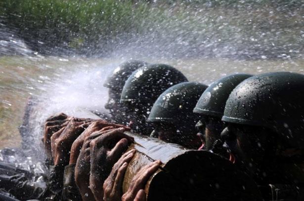 Türk komandosunun zorlu eğitimi 21