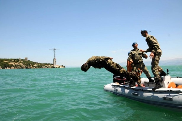 Türk komandosunun zorlu eğitimi 22